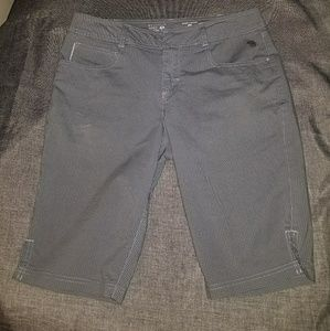 Mountain hardwear Bermuda shorts